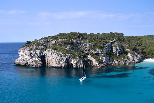 get a boat from ibiza to formentera