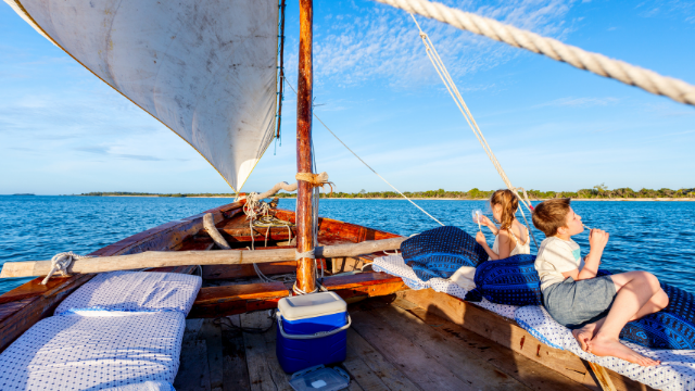 What to do with kids and teenagers on the boat